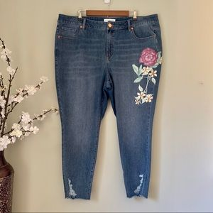 Lane Bryant Floral Accent Skinny Jeans NWOT Size22
